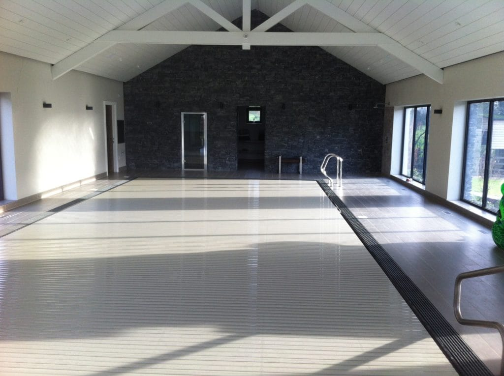 Roldeck recessed pool cover in a Proteus pool